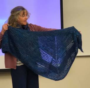 """The Girl from the Grocery Store aka """"Tracie Shawl"""" - https://www.ravelry.com/patterns/library/the-girl-from-the-grocery-store"""